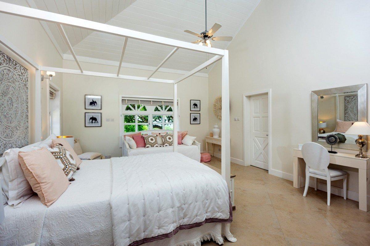 villa for sale at cap estate