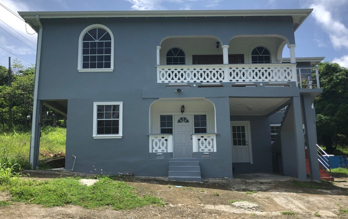 house for sale in vieux fort 5 bed 3 baths lar ge yard
