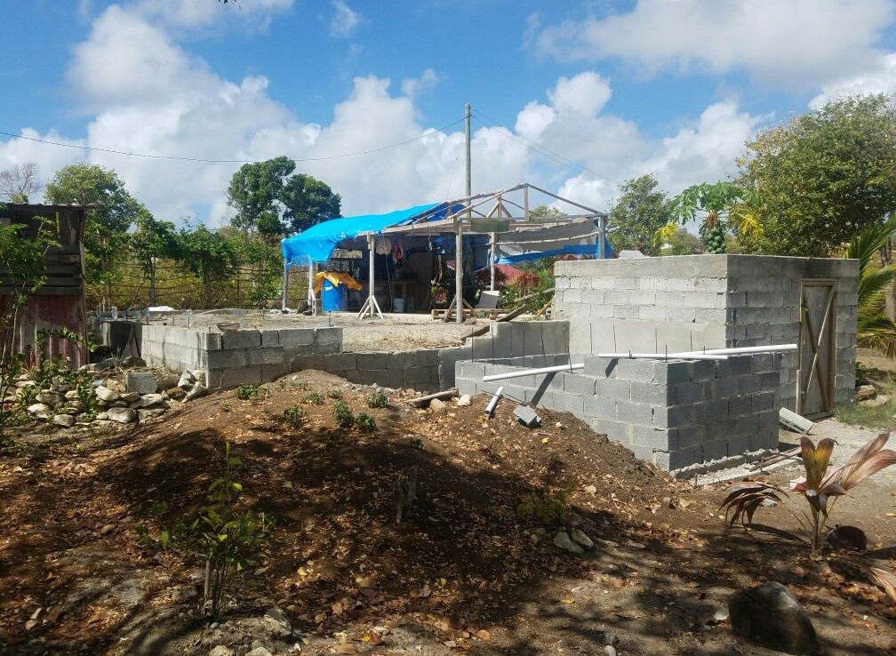 Fixer Upper starter house for sale at Canelles Vieux Fort
