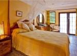 Capri room 6