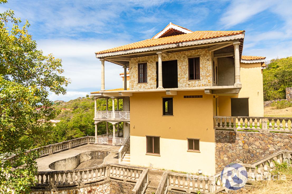 real estate for sale in st lucia golf villa