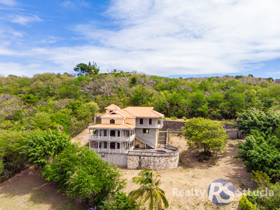villa for sale at golf park cap estate