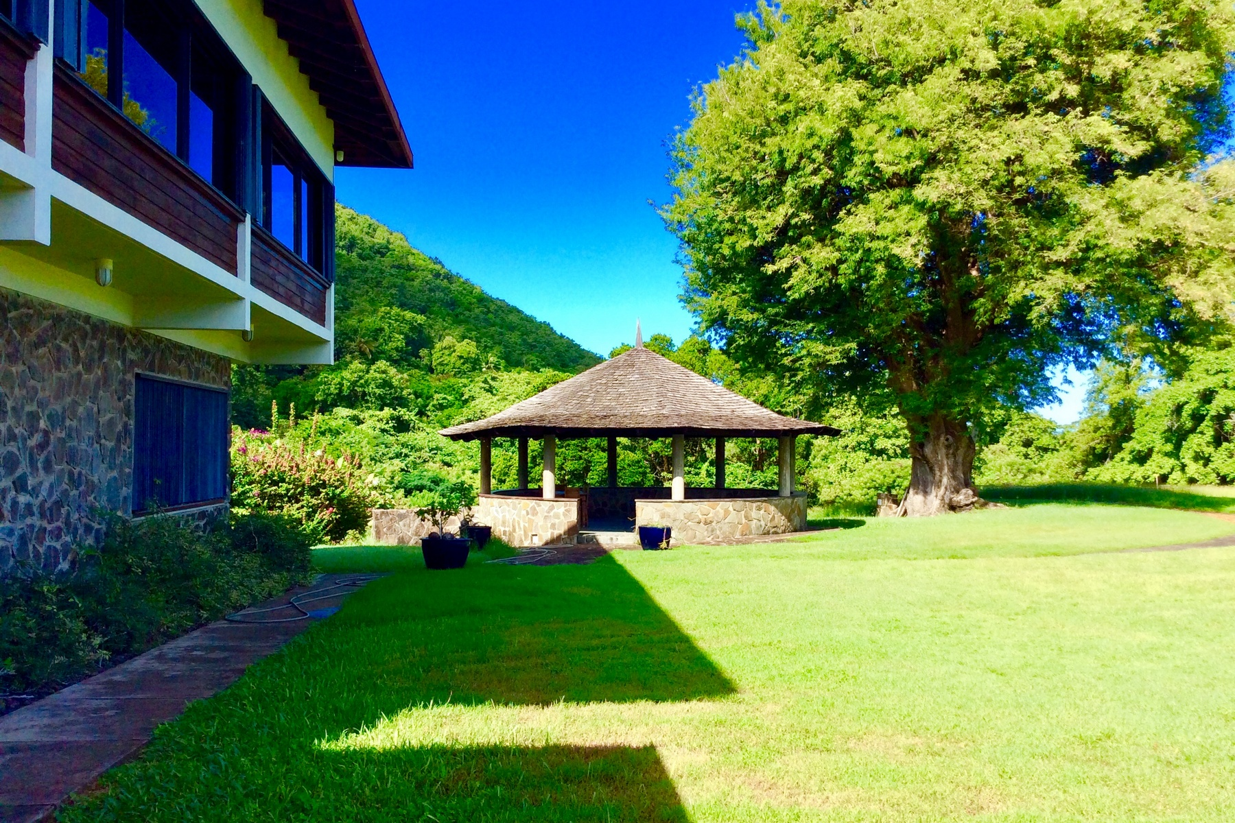 houses for sale in st lucia rodney bay yard