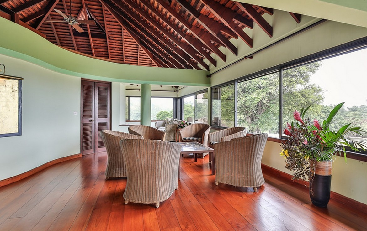houses for sale in st lucia rodney bay large living area
