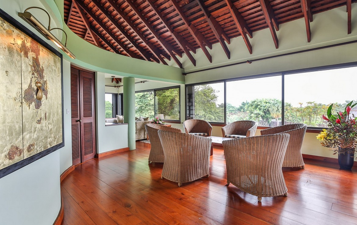 st lucia realty chairs
