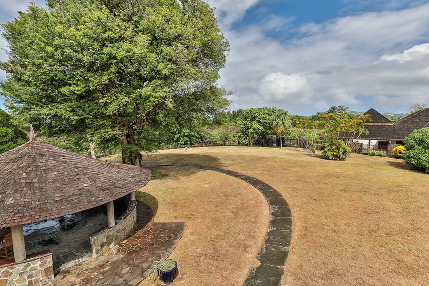 houses for sale in st lucia rodney bay big yard