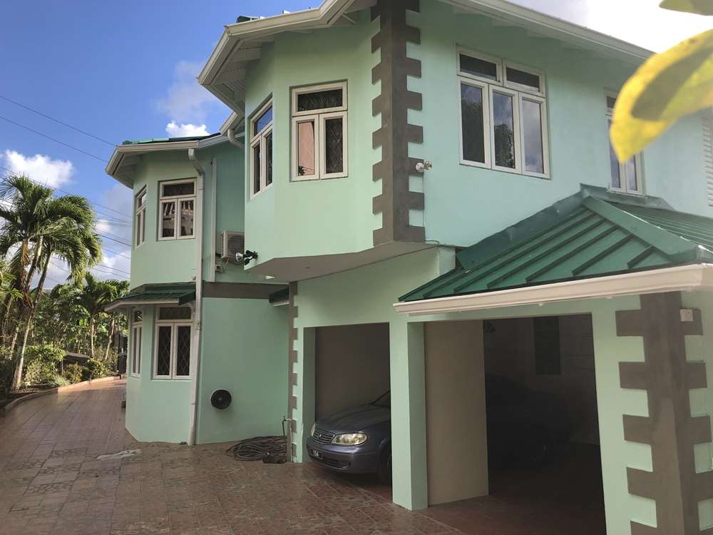 buying a house in st lucia near golf course
