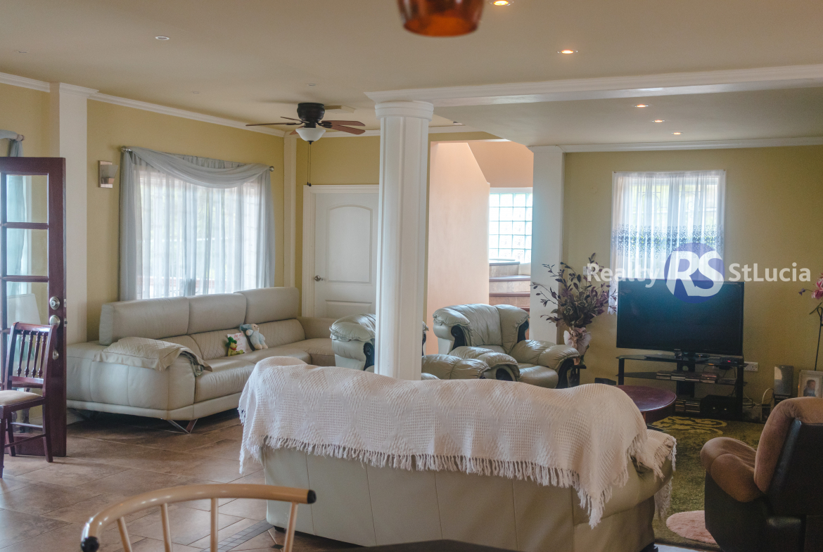 Houses For Sale In St Lucia living room
