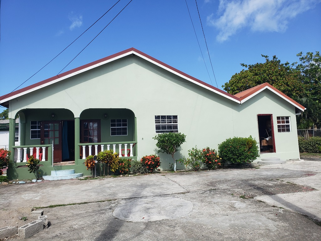 Single Family Bungalow House For Sale in St Lucia piaye